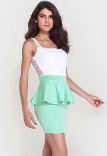 Двухцветное платье с баской