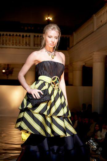 Вечернее длинное платье-трансформер с корсетом под заказ