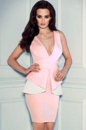 Светло-розовое платье с баской
