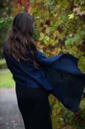 Темно синий палантин из шерсти с кашемиром (Москва)