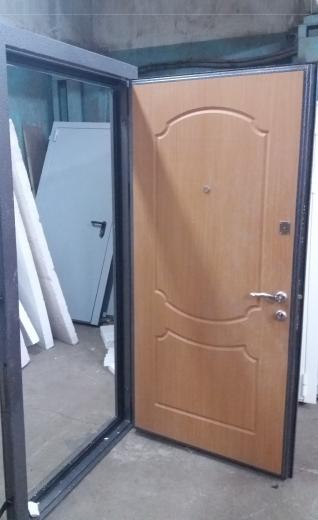 Металлические двери трех-контурные
