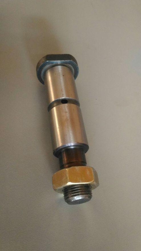 Палец рессорный d28x80x124 ( арт. SP-26 ) FUSO