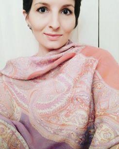 Нежный сиреневый с розовым шерстяной палантин с пайетками (Москва)