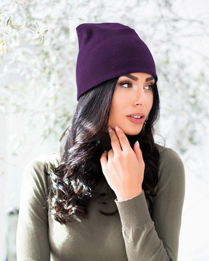 Мягкая стрейчевая шапка мелкой вязки