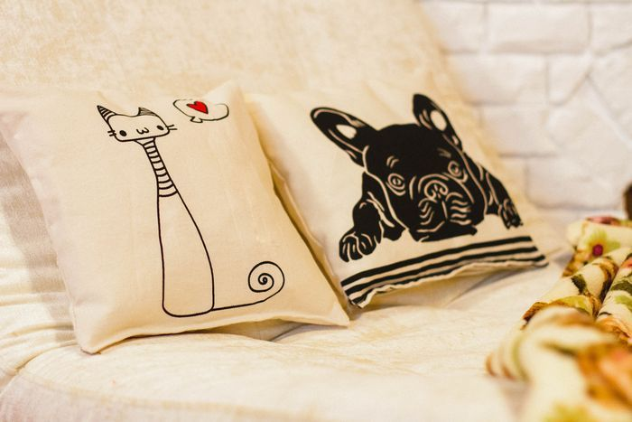 """Комплект декоративных подушек """"Кот и пёс"""""""