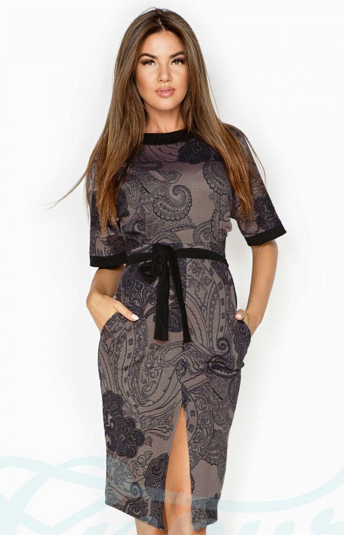 Аккуратное демисезонное платье