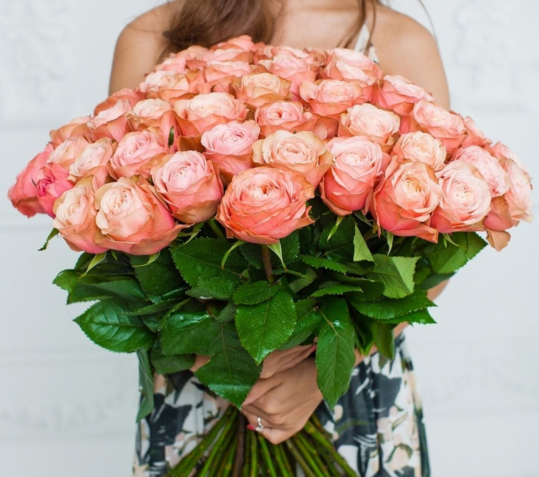 51 роза Kahala