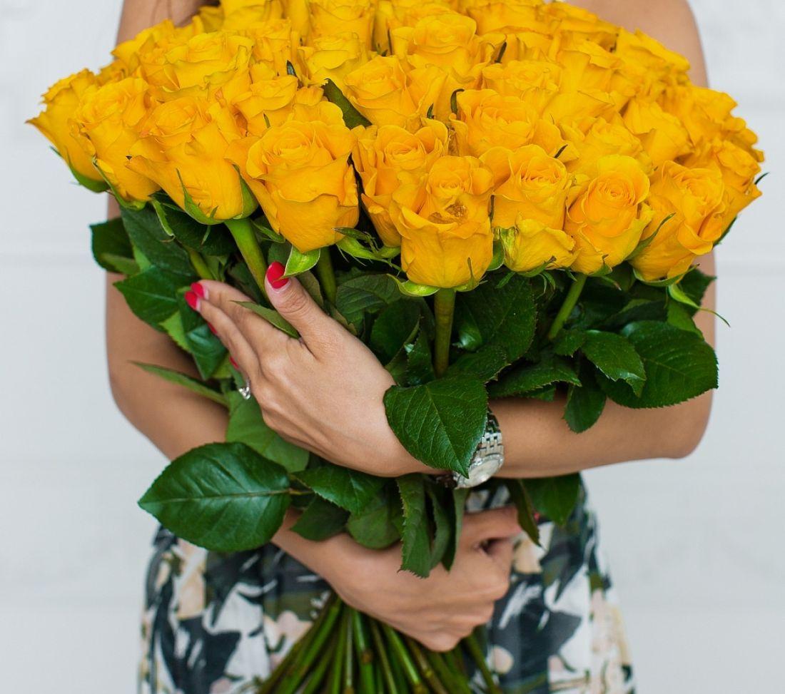 51 роза Mohana