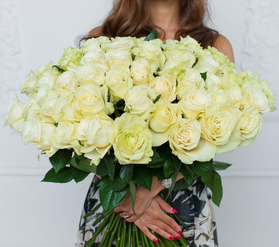 101 роза Mondial