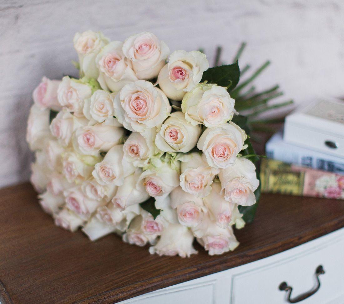 Розы Senorita 60 см.