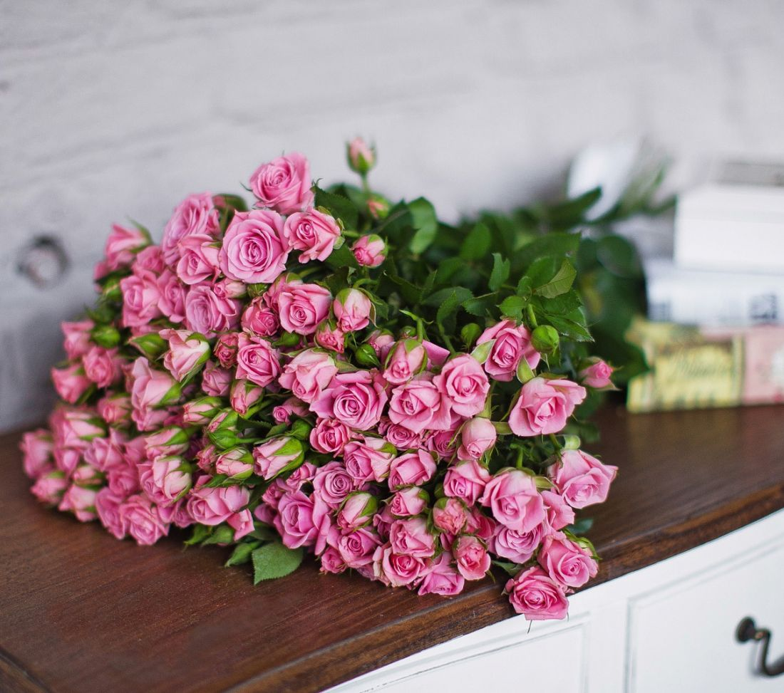 Роза кустовая Pink 60 см.