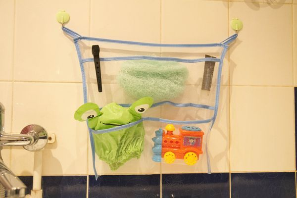 Органайзер из сетки для хранения вещей в ванной