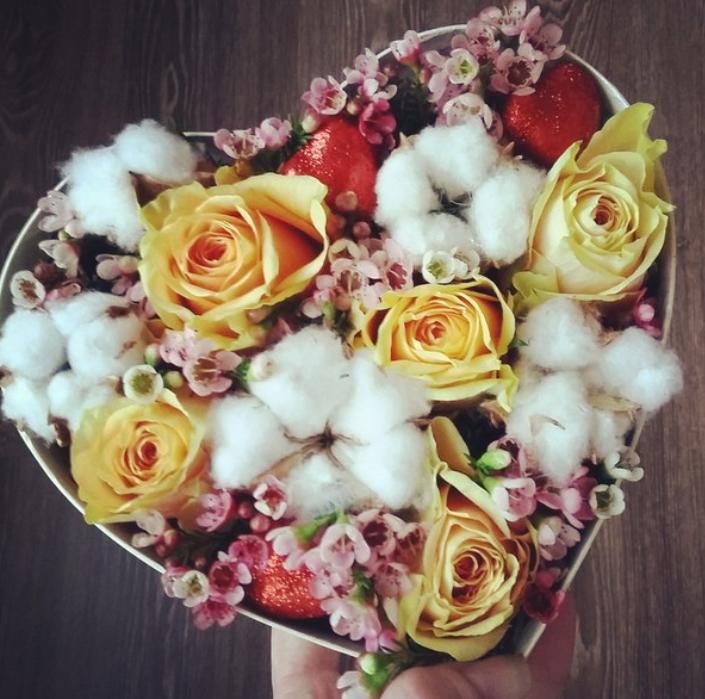 Коробка-сердце с хлопком и розами АКЦИЯ ТОЛЬКО 14-15.02.18