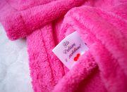 У пледа есть этикетка «С любовью из Сибири».