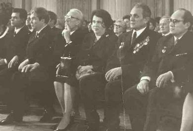 Открытие детского музыкального театра.  1980 г.  Слева от Д.Кабалевского - Н.И.Сац