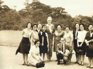 Токио, Япония, 1963 г. С педагогами балетного Училища им. П.И.Чайковского