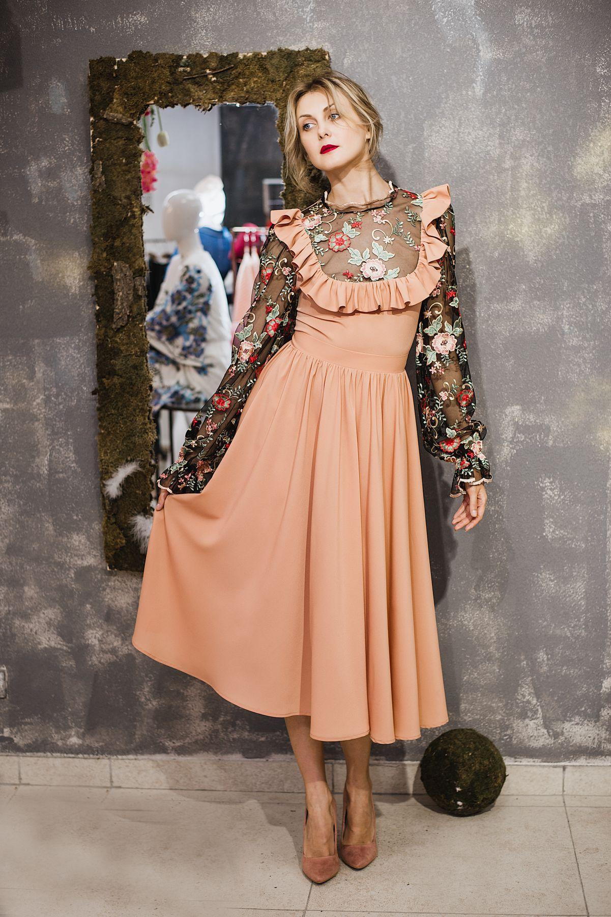 Романтическое платье купить в Москве, платье миди пудрового цвета ... 393117eb171