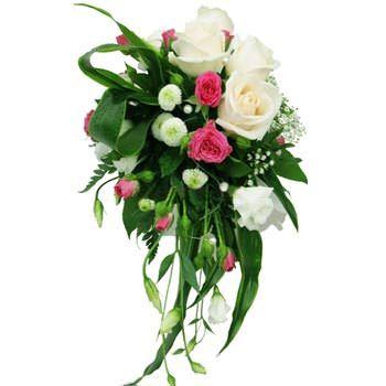 Букет невесты из кремовых роз «Яркие эмоции»