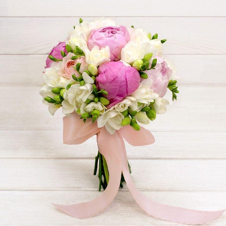 Букет невесты из белых хризантем «Ангел»