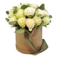 31 роза в шляпной коробке