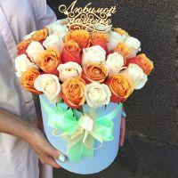 35 роз в шляпной коробке + топпер