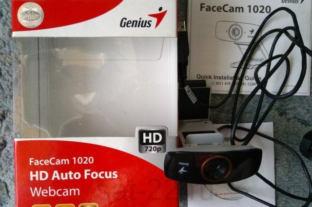 Видеокамера Genius Facecam 1020
