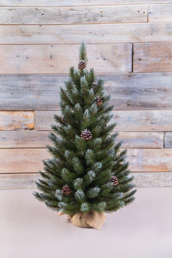 Искусственная елка Женева с шишками 90 см в мешочке заснеженная