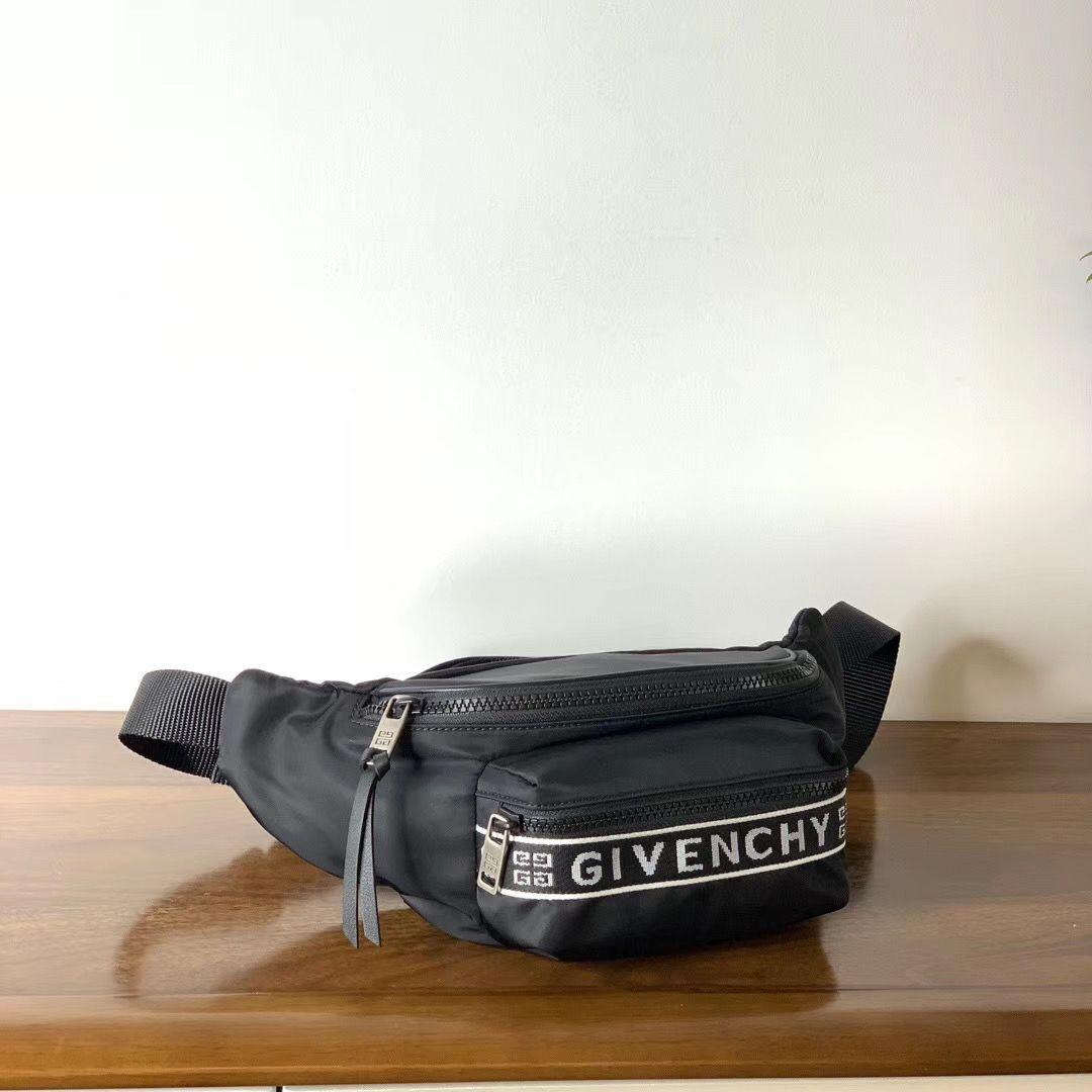 Поясная сумка Givenchy