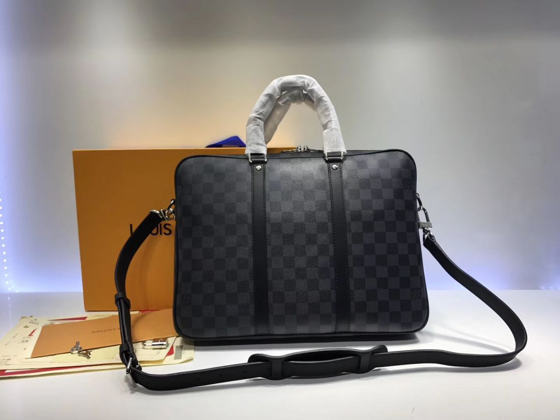 Портфель Louis Vuitton Porte Documents Voyage