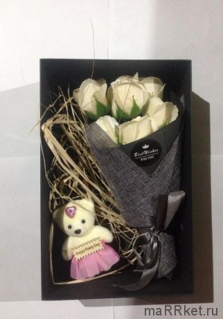 Набор из 7 мыльных роз в коробке с мишкой (белый)