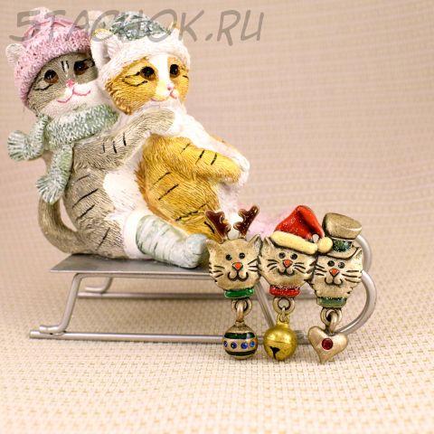 """Брошь """"Три новогодних котика"""" (AJMC США)"""
