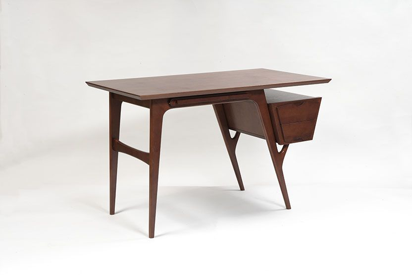 Письменный стол L 472
