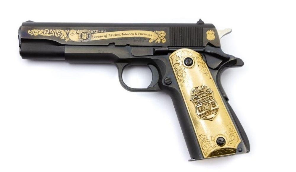 Пистолет Colt Government