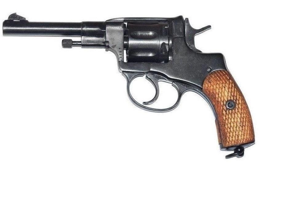 Револьвер Наган