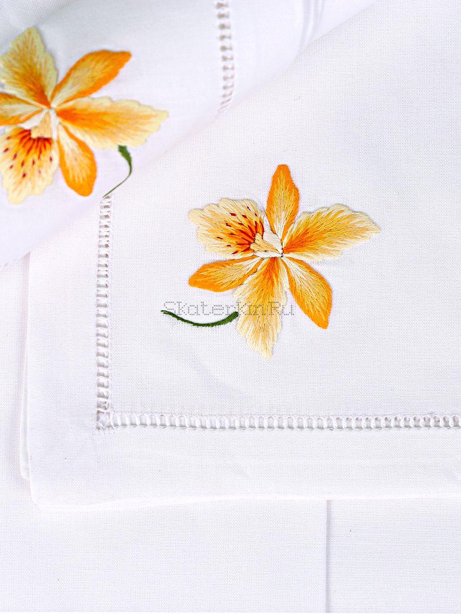 Салфетка с вышивкой Цветок Орхидея