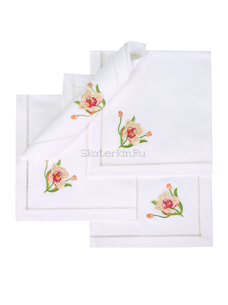 Салфетка с вышивкой Цветок