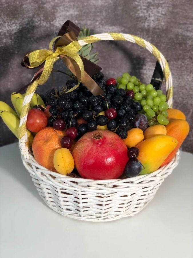 Корзина фруктовая с вином 6