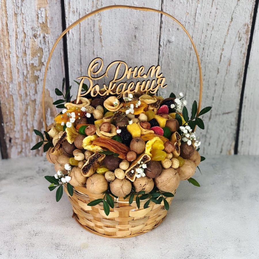 Ореховый букет в корзинке №16
