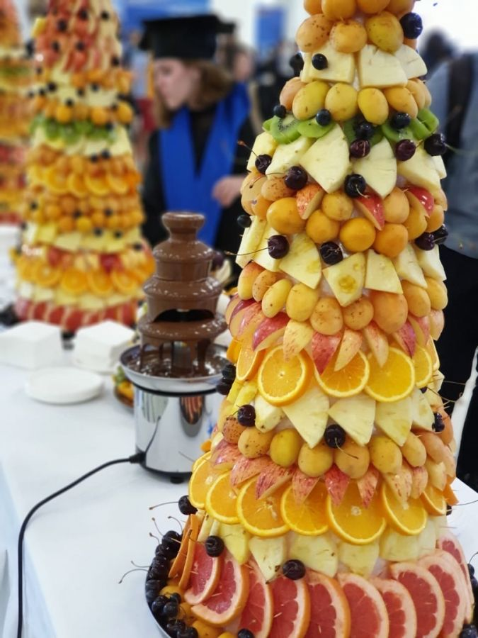 Пирамида фруктовая
