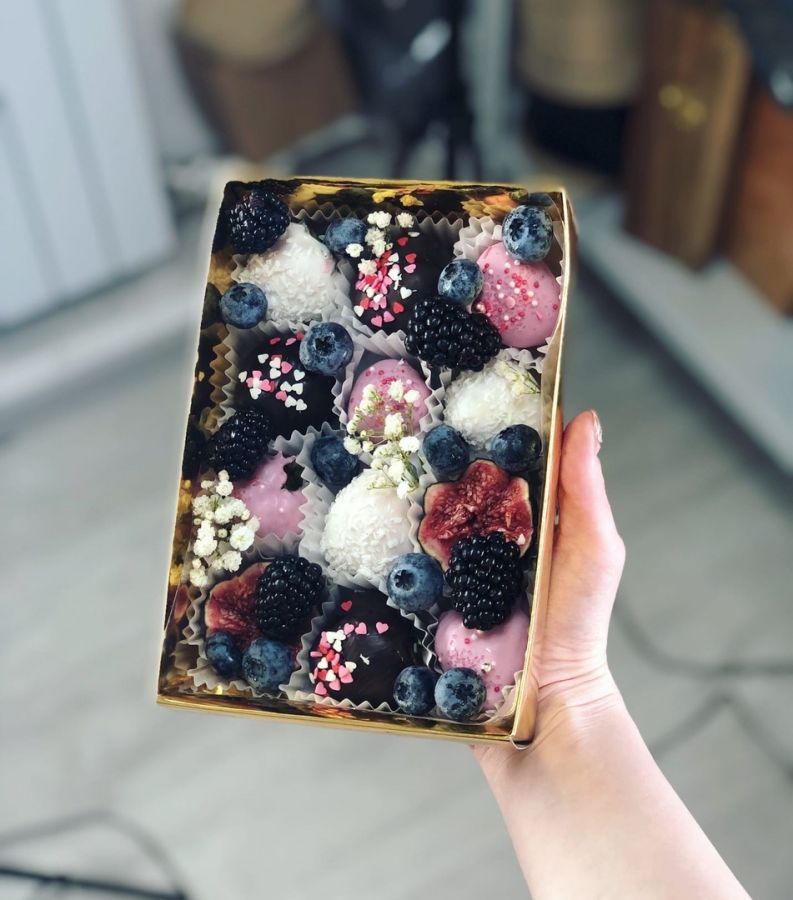 Клубника в шоколаде и инжир №11