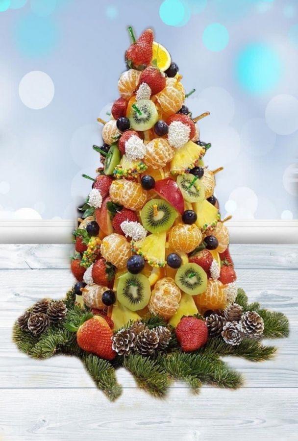Елка фруктовая