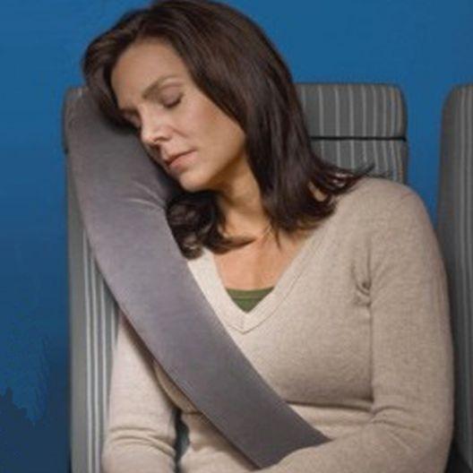 iizw Подушка надувная для комфортного сна в дороге для водителя и пассажиров TRAVEL REST (ТРАВЕЛ РЕСТ) (серая) Новая, Гарантия, Доставка