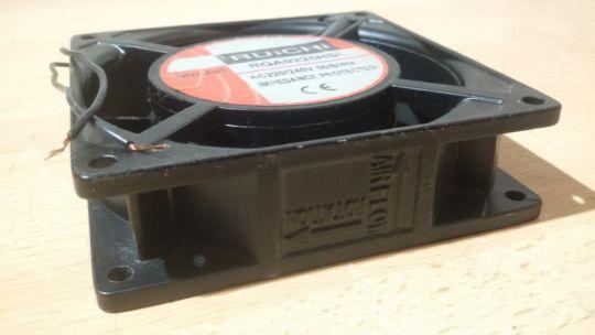 Осевой вентилятор 92 х 92 х 25 мм 220 Вольт.