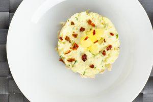 Салат из курицы с ананасом 200г