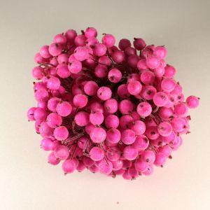`Ягоды в сахарной обсыпке 12 мм (длина 16см), цвет - ярко-розовый. 1 веточка=2 ягодки