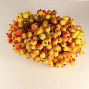 `Ягоды в сахарной обсыпке 12 мм (длина 16см), цвет желто-красный, 1 веточка=2 ягодки