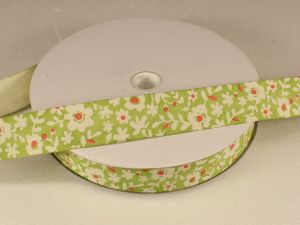 `Лента хлопковая, ширина 15 мм(614037), цвет: №1 зеленый, цветы