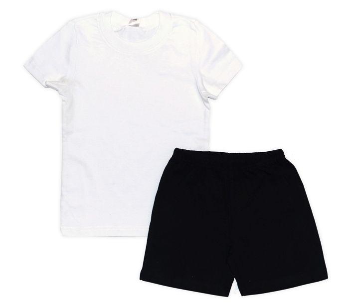 Комплект из белой майки и черных шорт