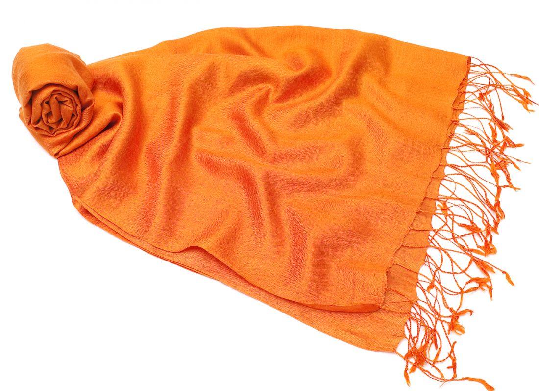 Оранжевый шелковый шарф палантин (Москва)