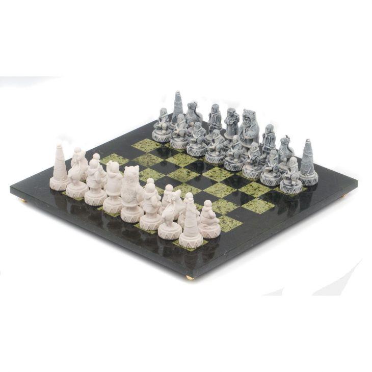 Шахматы Северные народы, доска змеевик